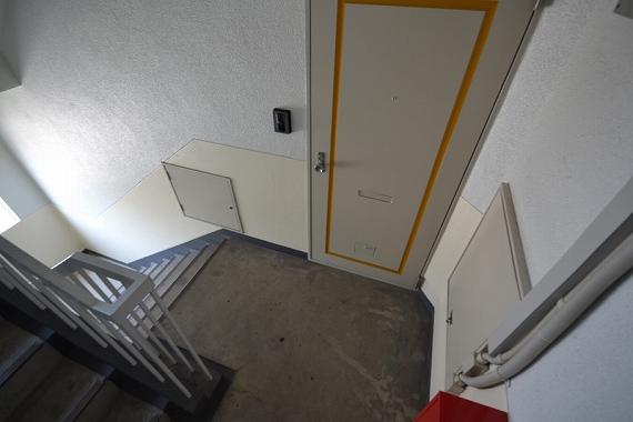 マンション 4階 風水 階段が玄関前にある時は注意